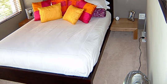 bed-and-pedestals-1a
