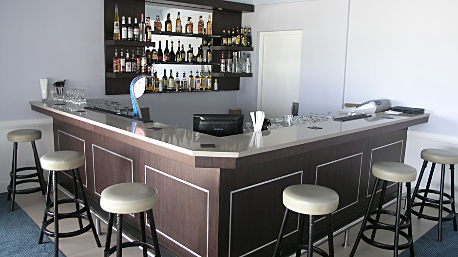 Bar counter wenge veneer - Innovative Joinery